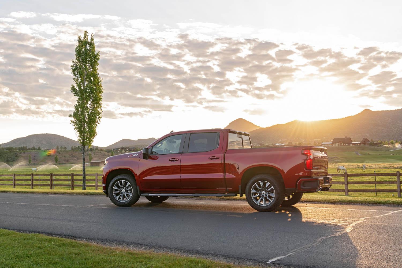 2020 Chevrolet Silverado Diesel profile
