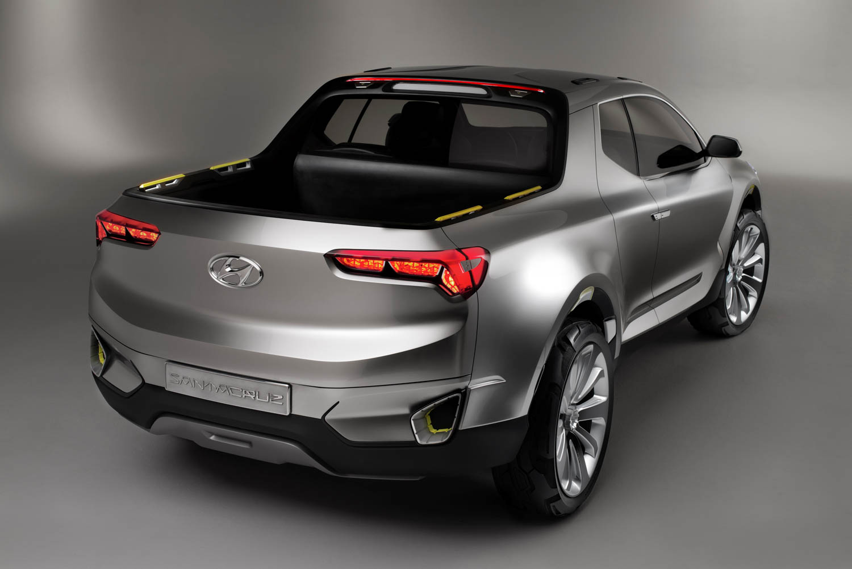 Hyundai Santa Cruz Crossover Truck Concept rear 3/4