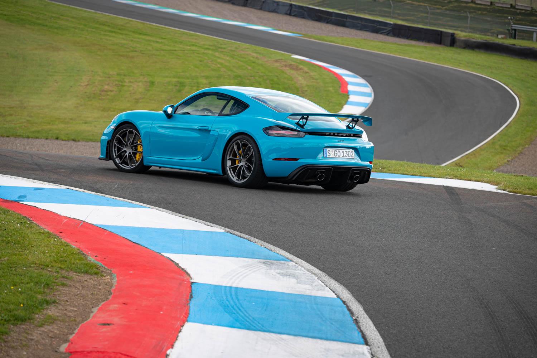 Porsche 718 Cayman GT4 rear 3/4