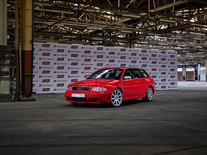 Audi RS 4 Avant typ B5