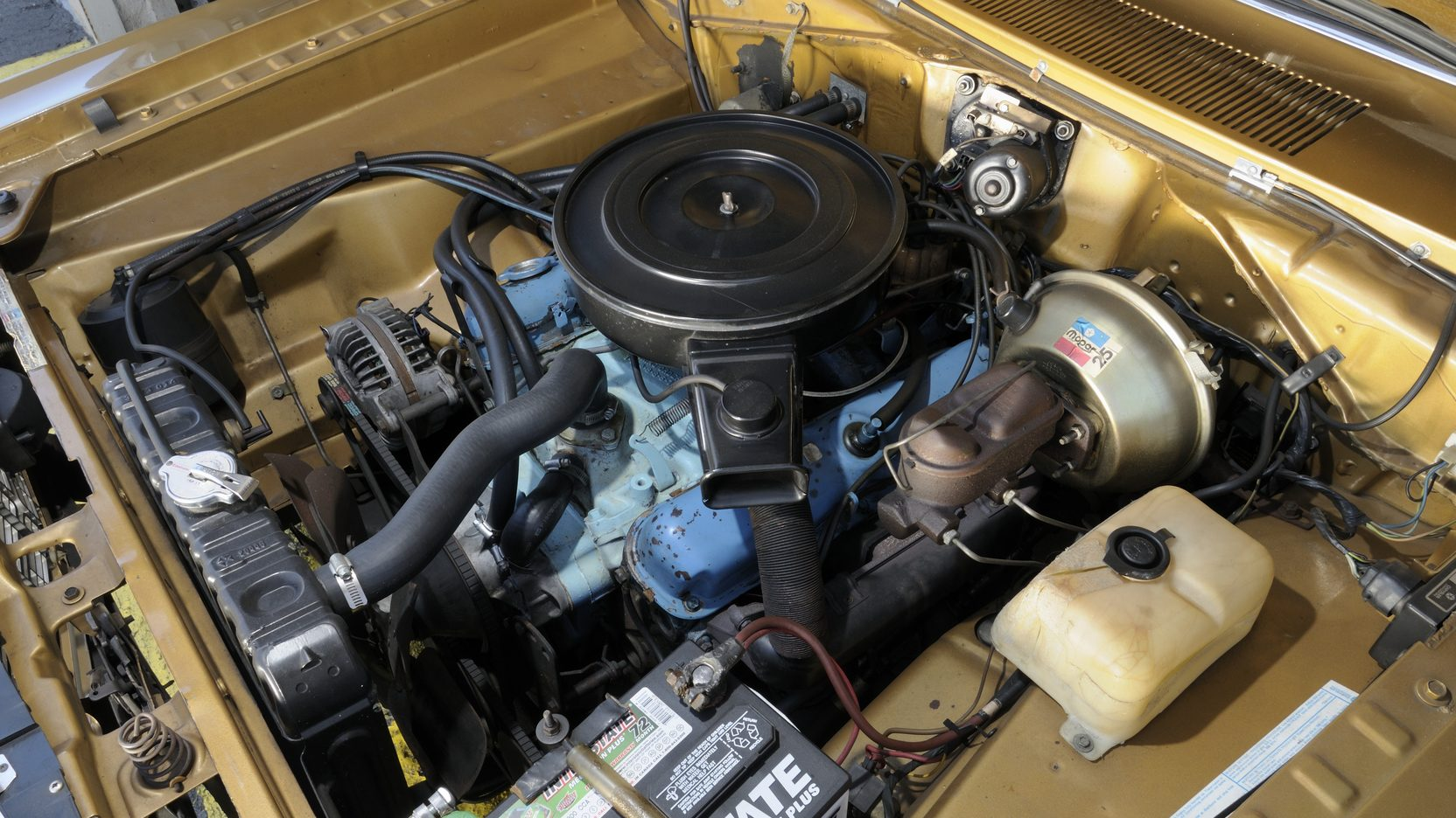 1973 Plymouth Duster Mopar 318 engine