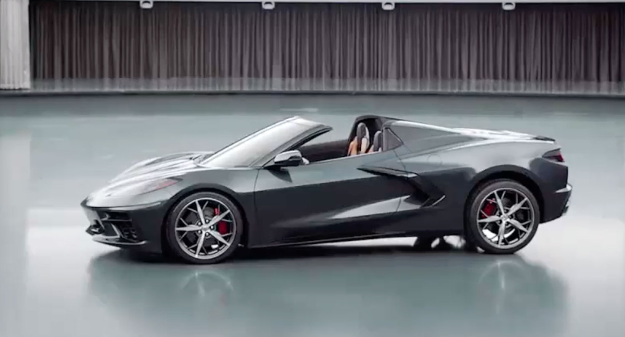 Chevrolet C8 Corvette Stingray convertible