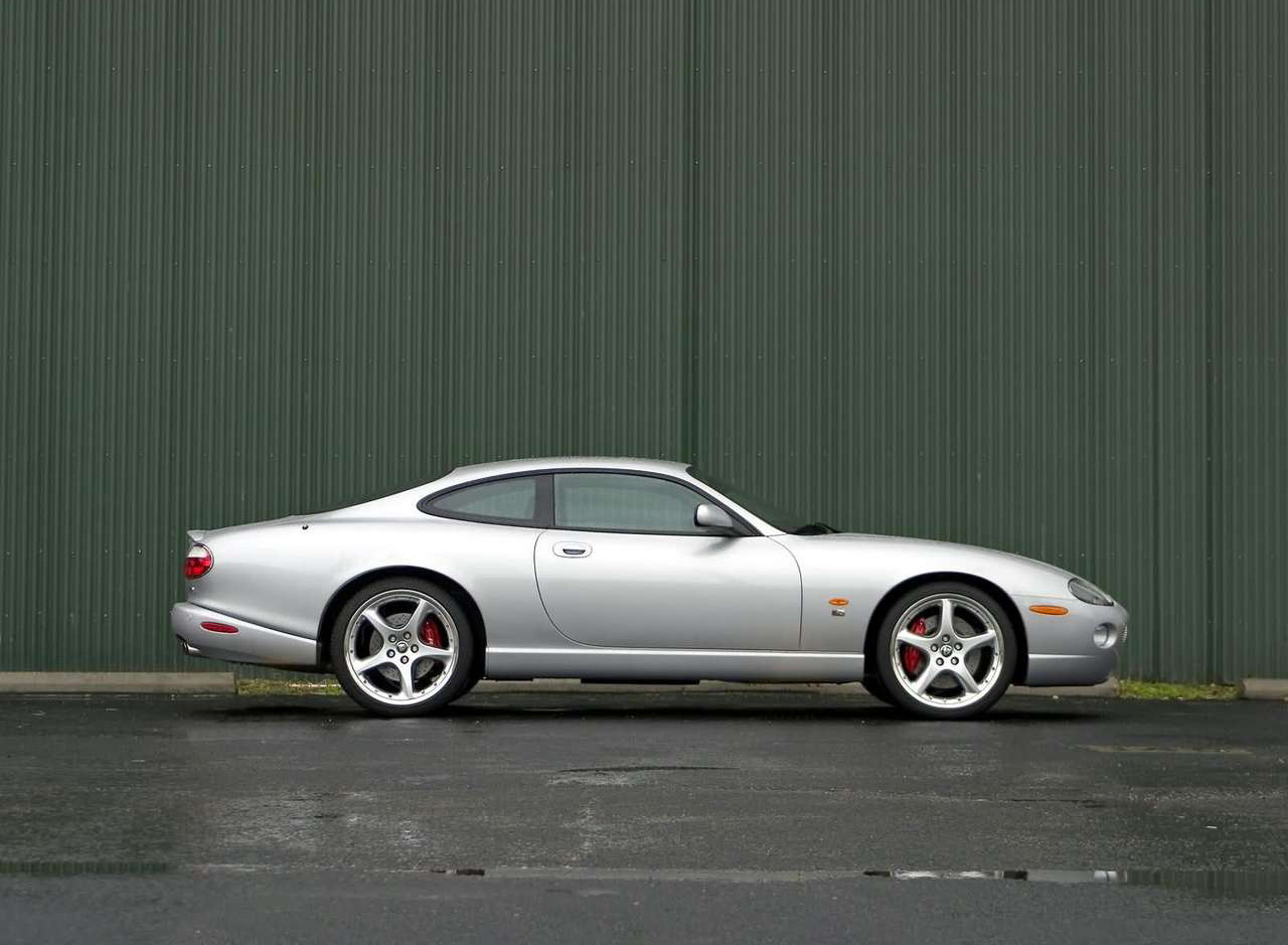 2005 Jaguar XKR profile