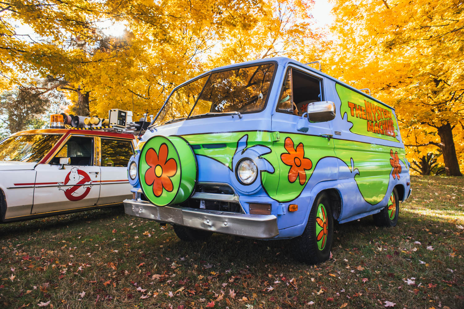 Mystery Machine front 3/4