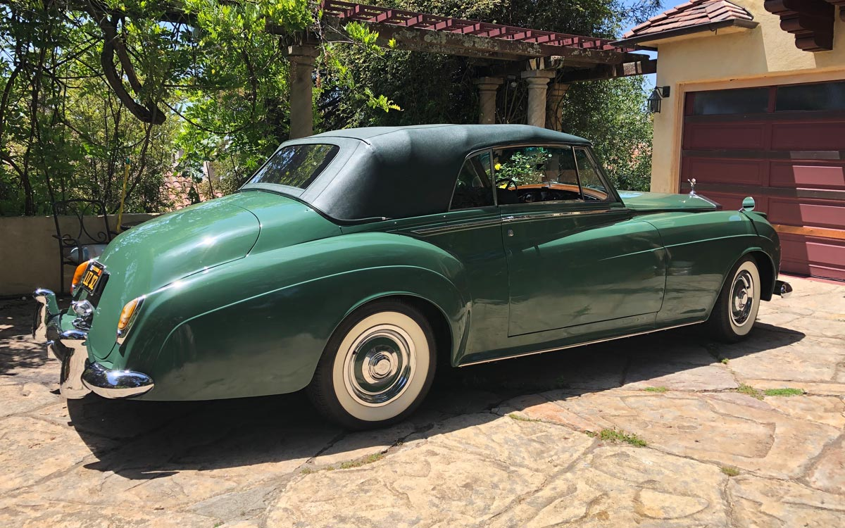 1960 Rolls Royce Silver Cloud II rear 3/4