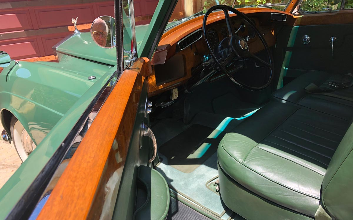 1960 Rolls Royce Silver Cloud II The Green Goddess interior