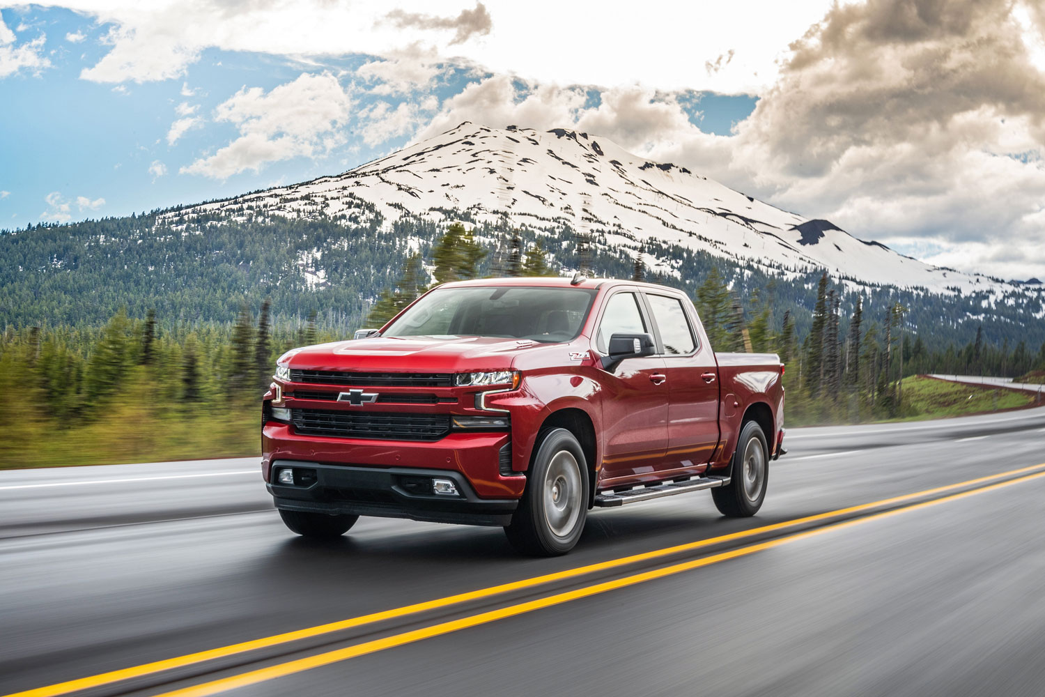 Silverado 3.0-liter diesel is the most fuel-efficient half-ton on the market thumbnail