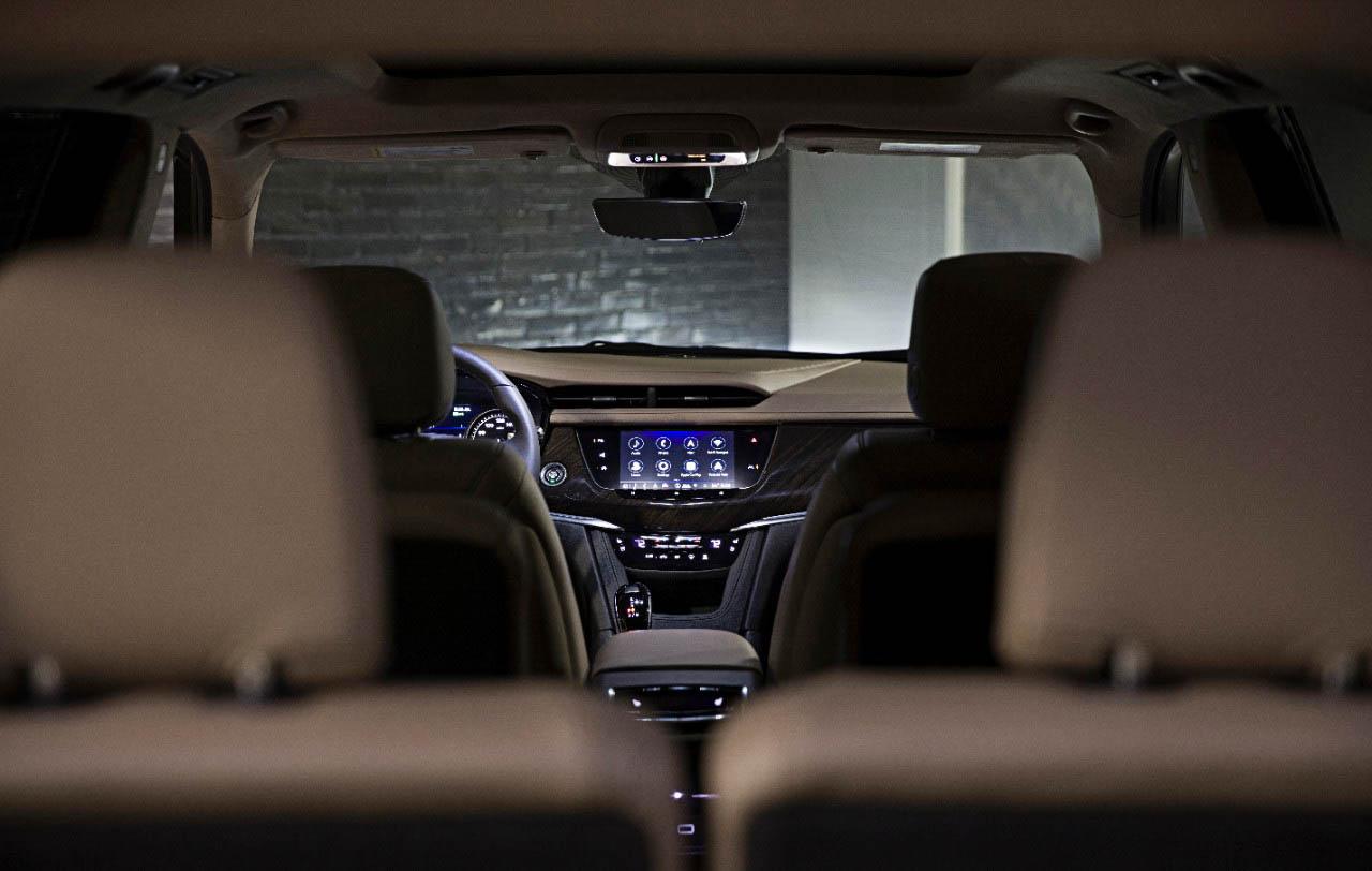 2020 Cadillac XT6 Luxury interior