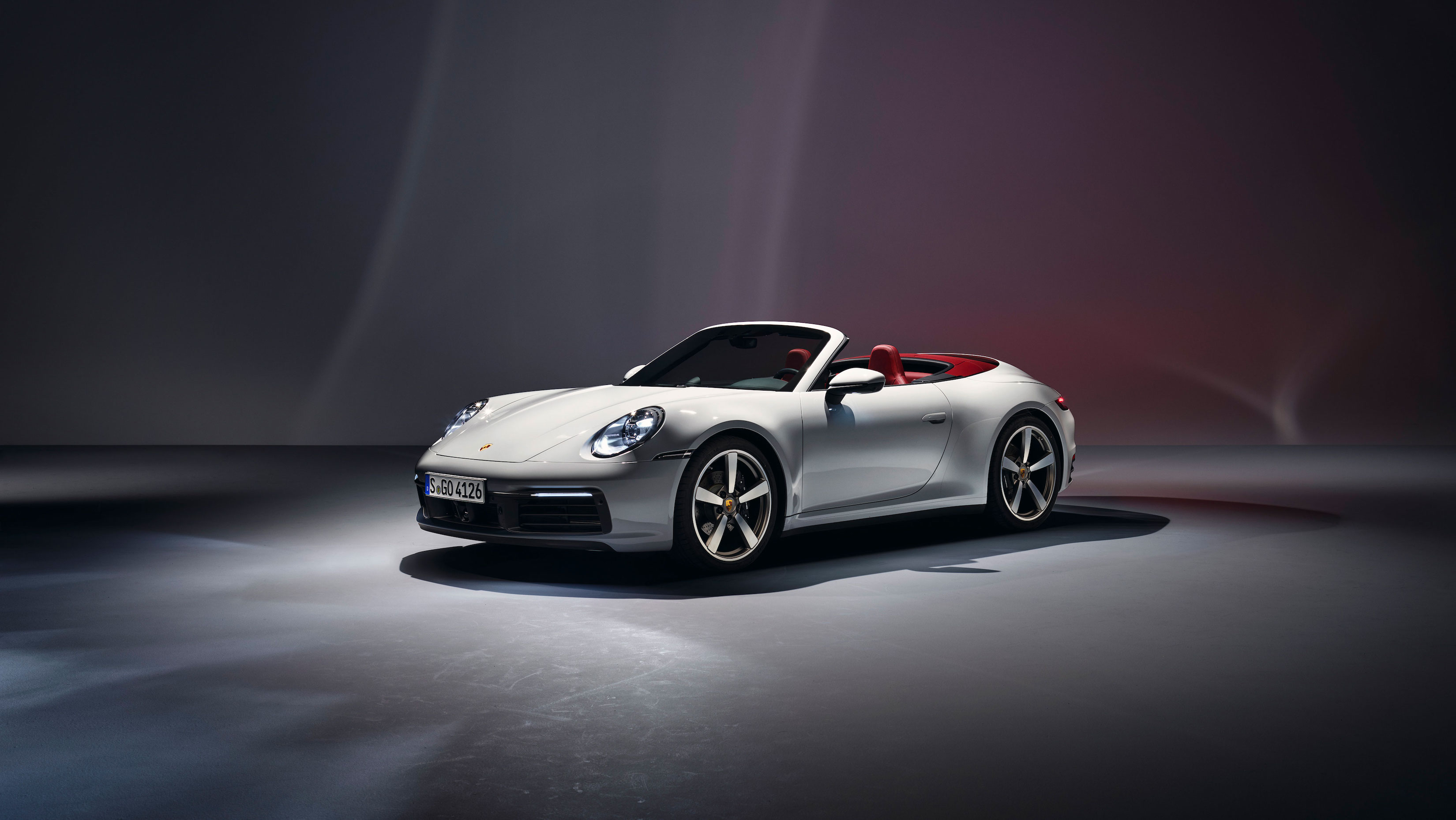 Porsche 911 Carrera front 3/4