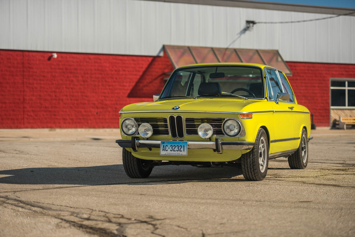 1972 BMW 2002 front 3/4