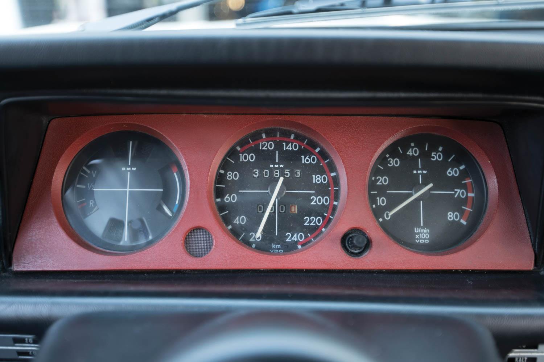 1974 BMW 2002 Turbo gauges