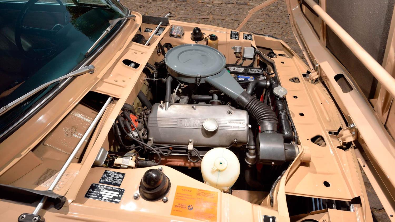 1972 BMW 2002 engine