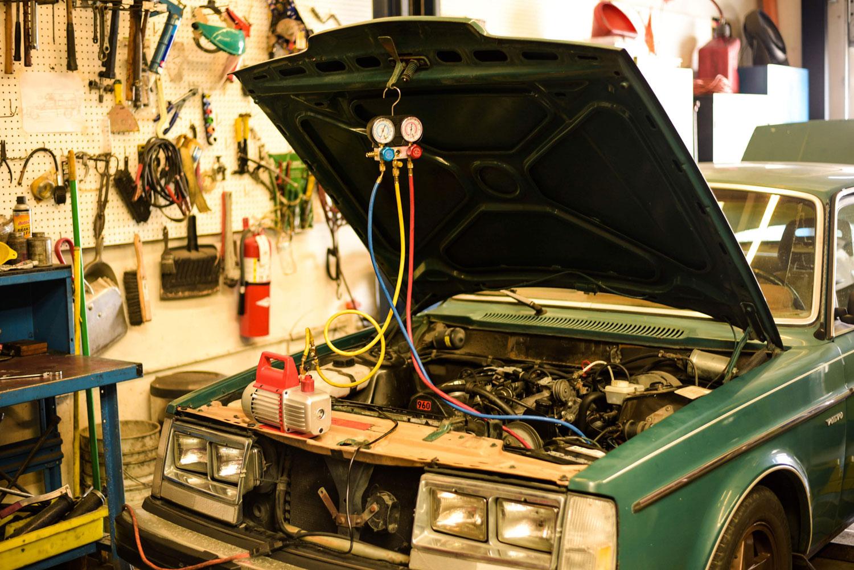 1982 Volvo 240 maintenance
