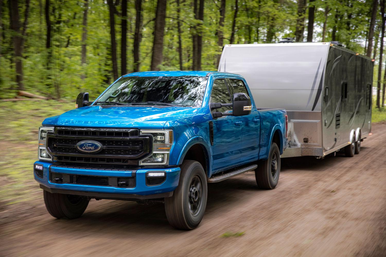 Ford's new 7.3-liter pushrod V-8 truck engine pumps out 430 horsepower