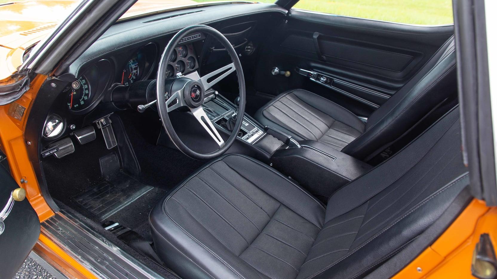 1971 Chevrolet Corvette ZR2 interior