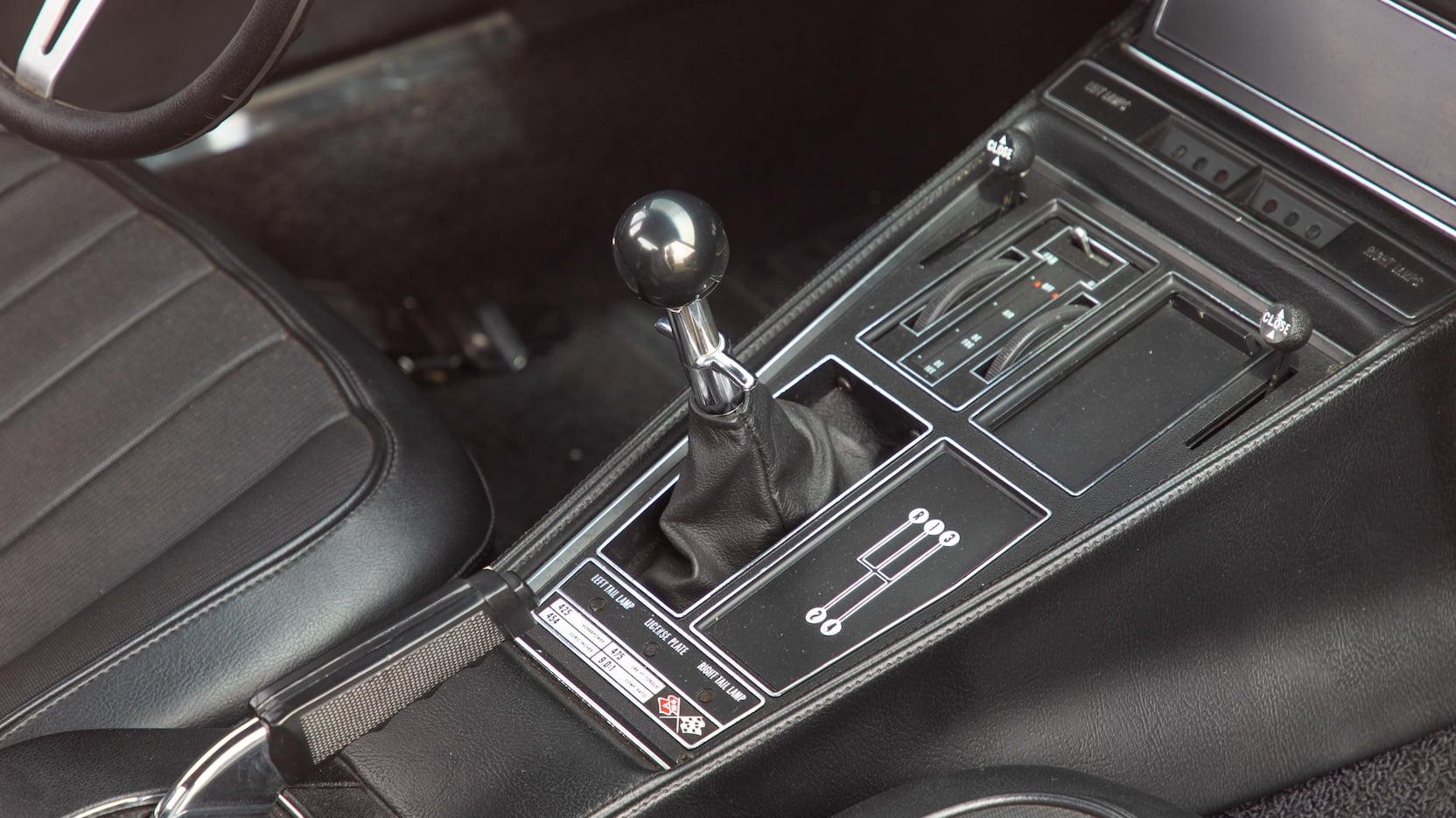 1971 Chevrolet Corvette ZR2 shifter knob