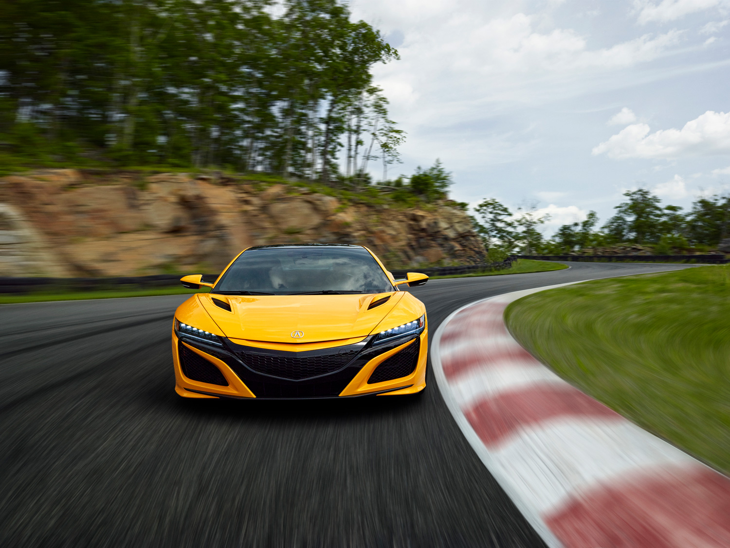 Acura adds honorary Indy Yellow Pearl paint to NSX supercar thumbnail