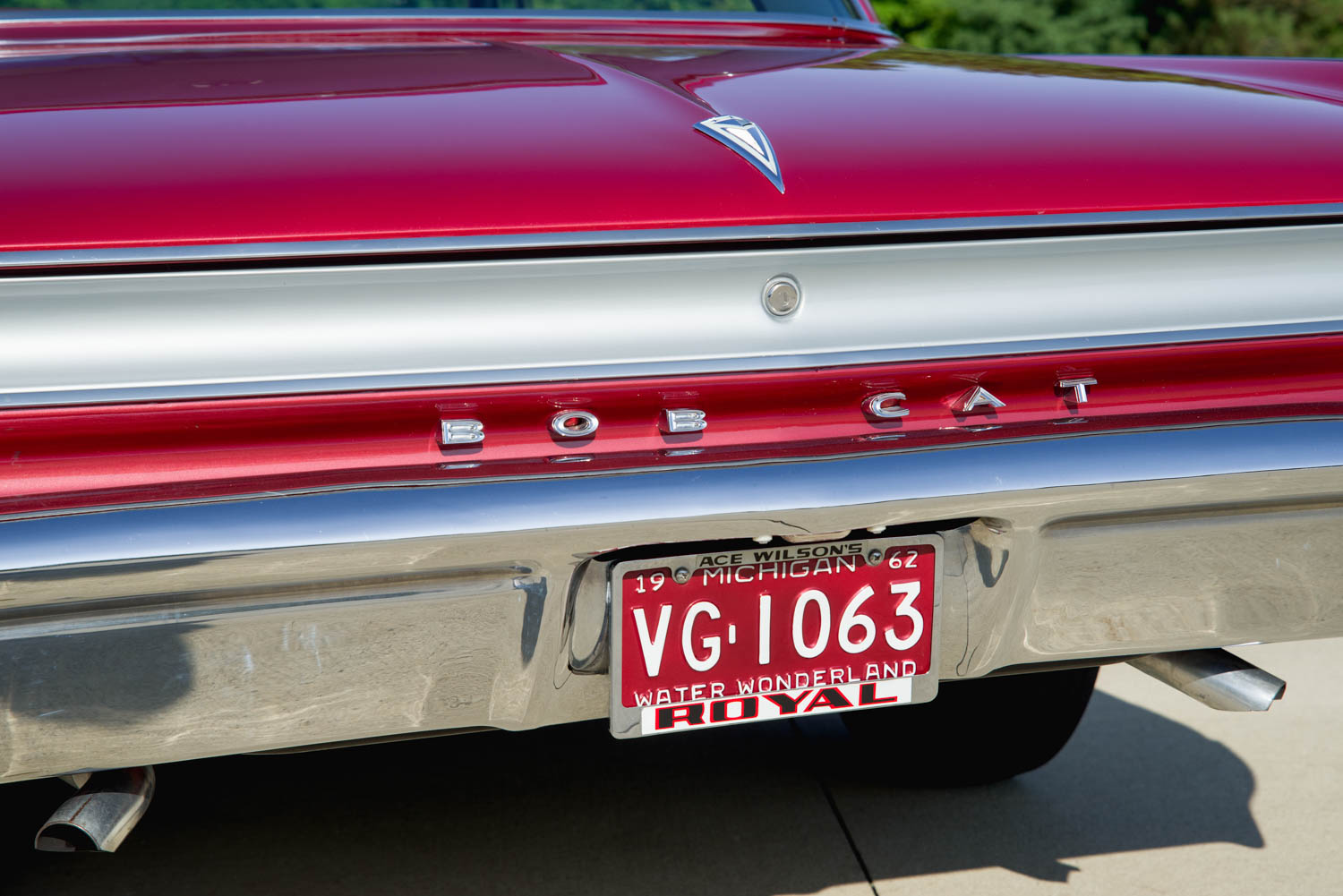 """To create the BOBCAT lettering on the rear of the automobile, Royal used four letters from the original """"Pontiac"""" badging and swiped a couple of """"Bs"""" from Bonneville part bins. Note the Royal license plate frame."""