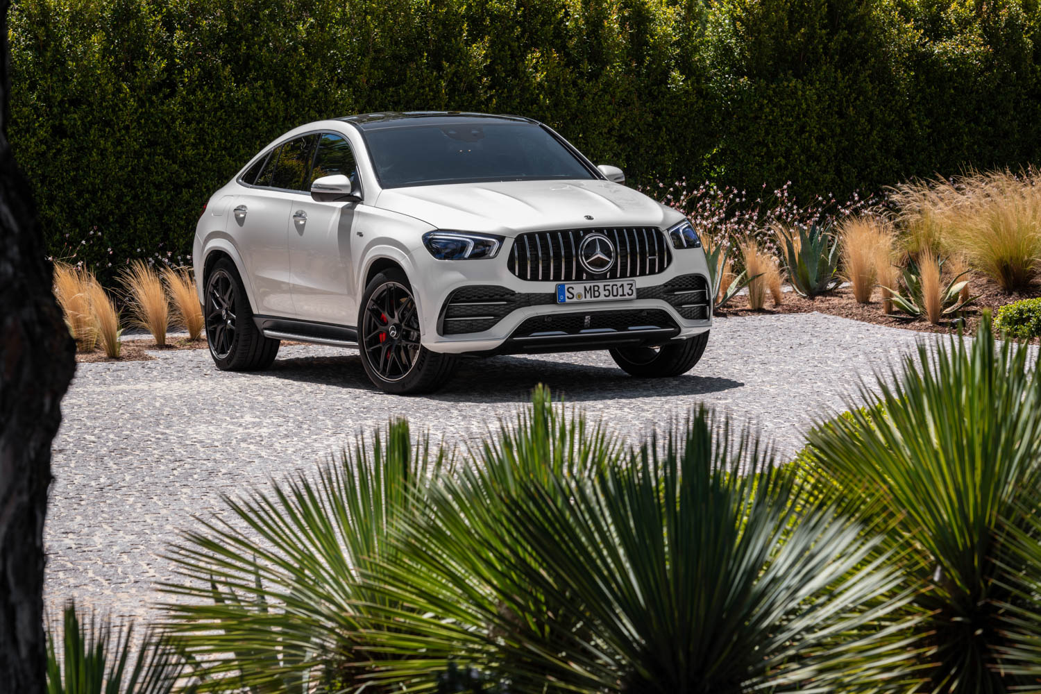 2021 Mercedes-AMG GLE 53 Coupe front 3/4
