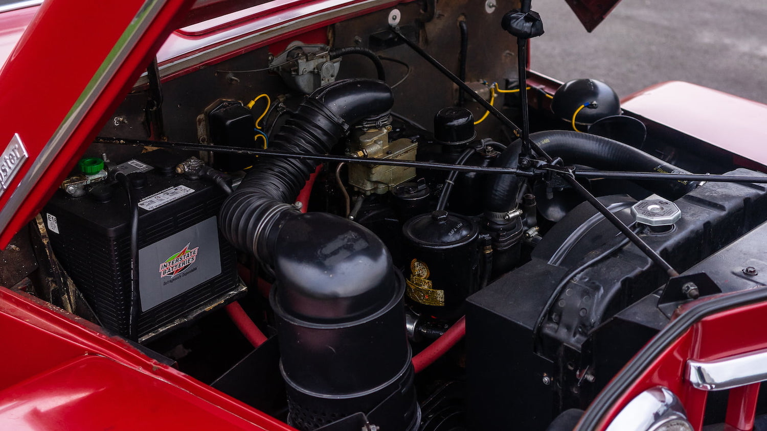 Willys Jeepster Engine