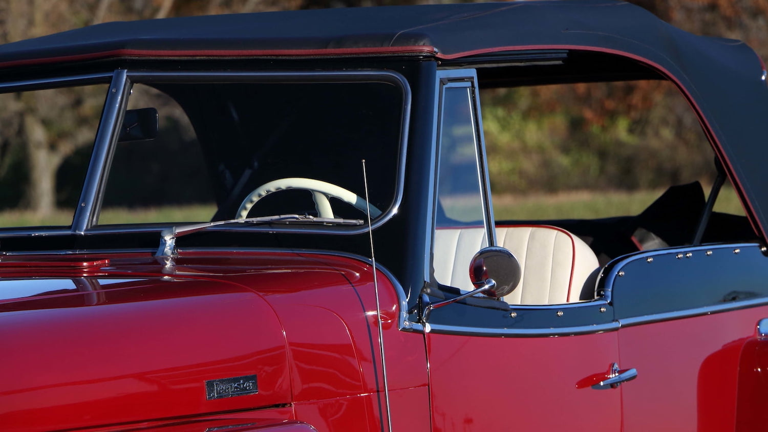 Willys Jeepster Exterior