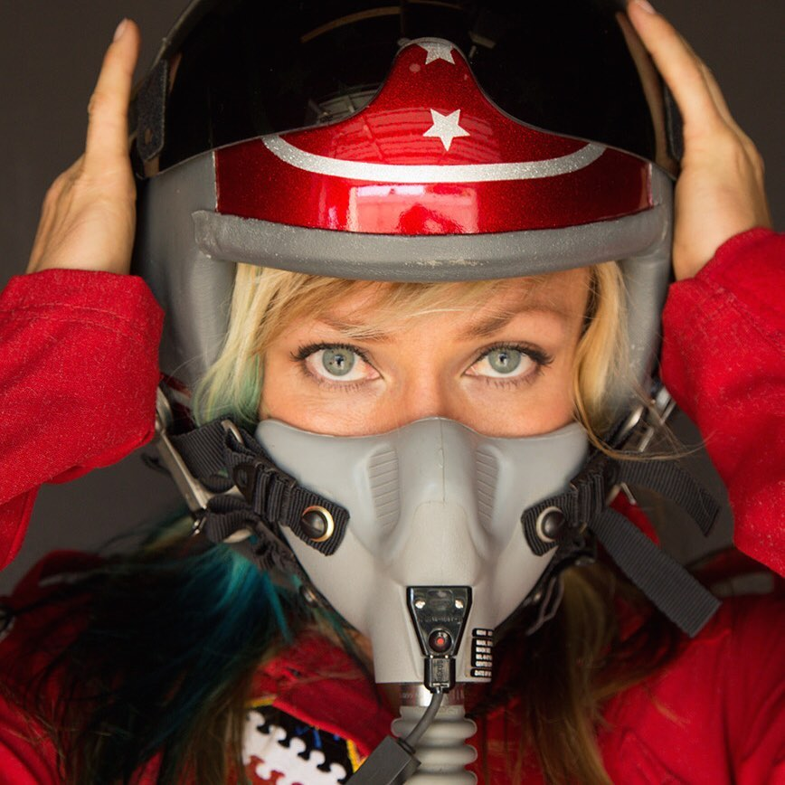 Jessi Combs killed in land speed record attempt thumbnail