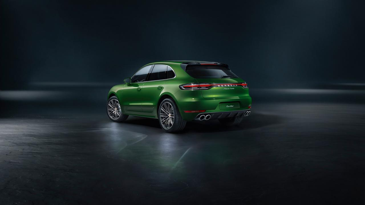 2020 Porsche Macan Turbo rear 3/4