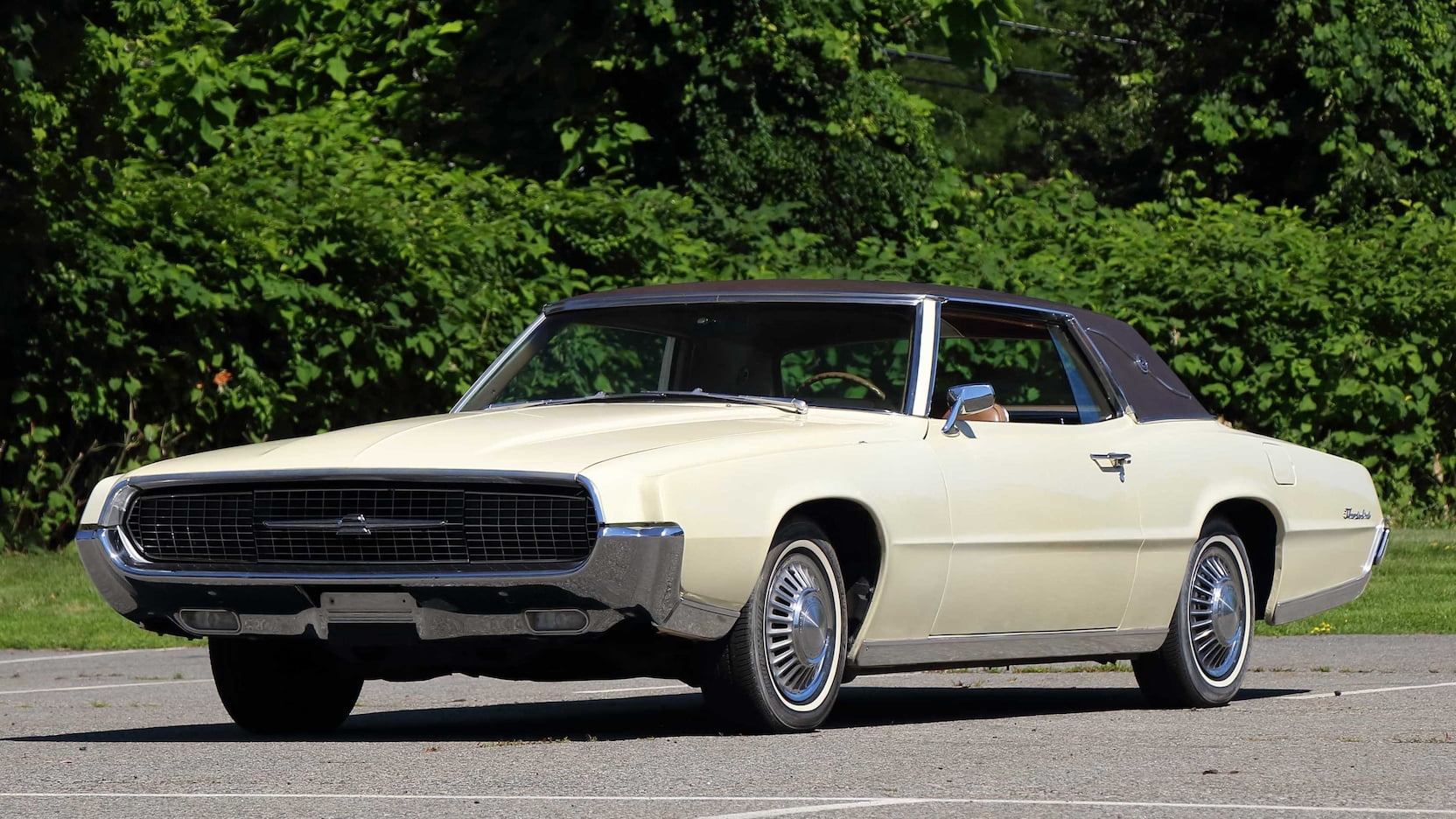 The 1967–71 Ford Thunderbird isn't flying high, but it's a lot of car for the money thumbnail