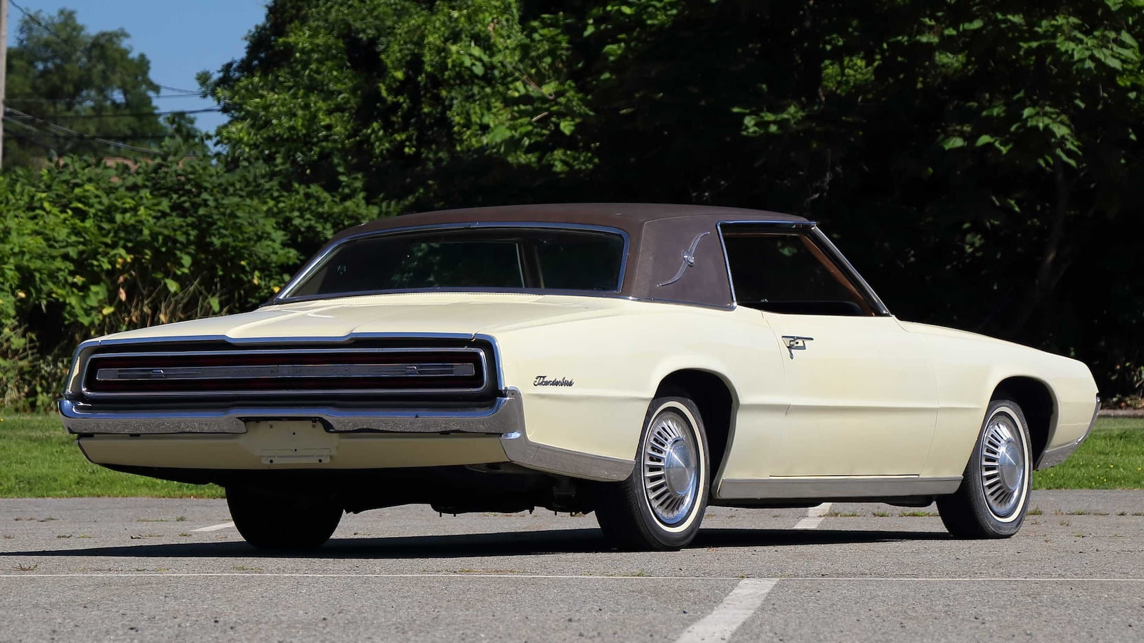 1967 Ford Thunderbird rear 3/4