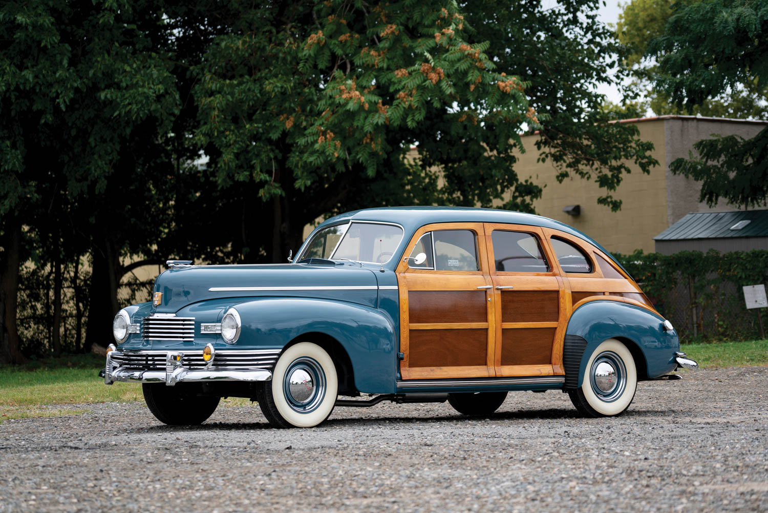 1947 Nash Ambassador Six Super Suburban Woodie