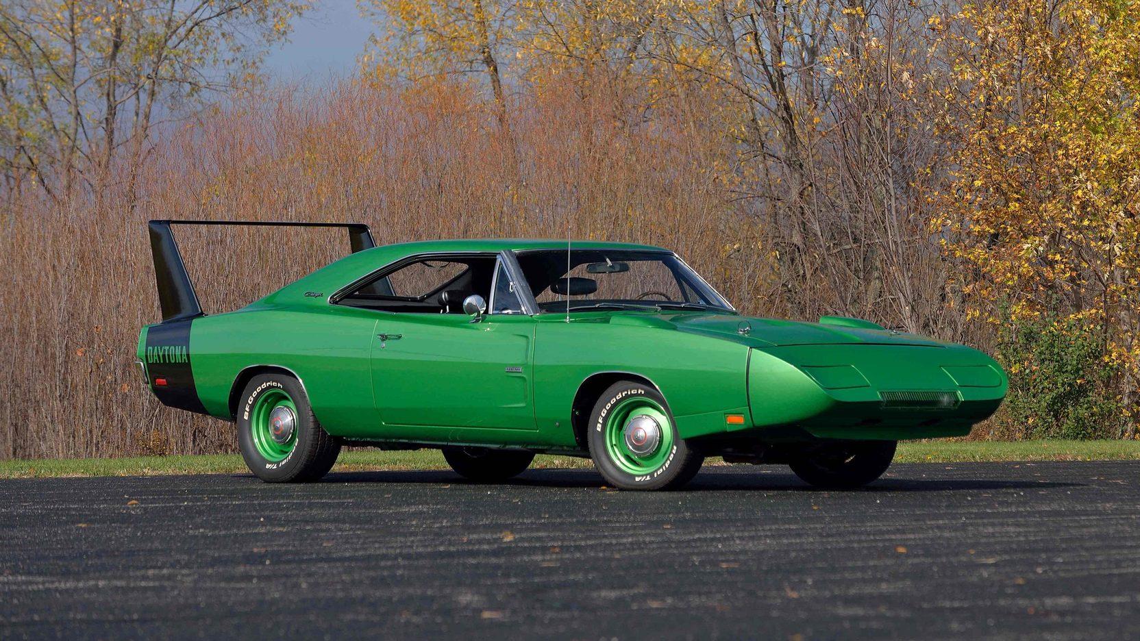 Dodge Daytona Vs. Plymouth Superbird: What You Need To