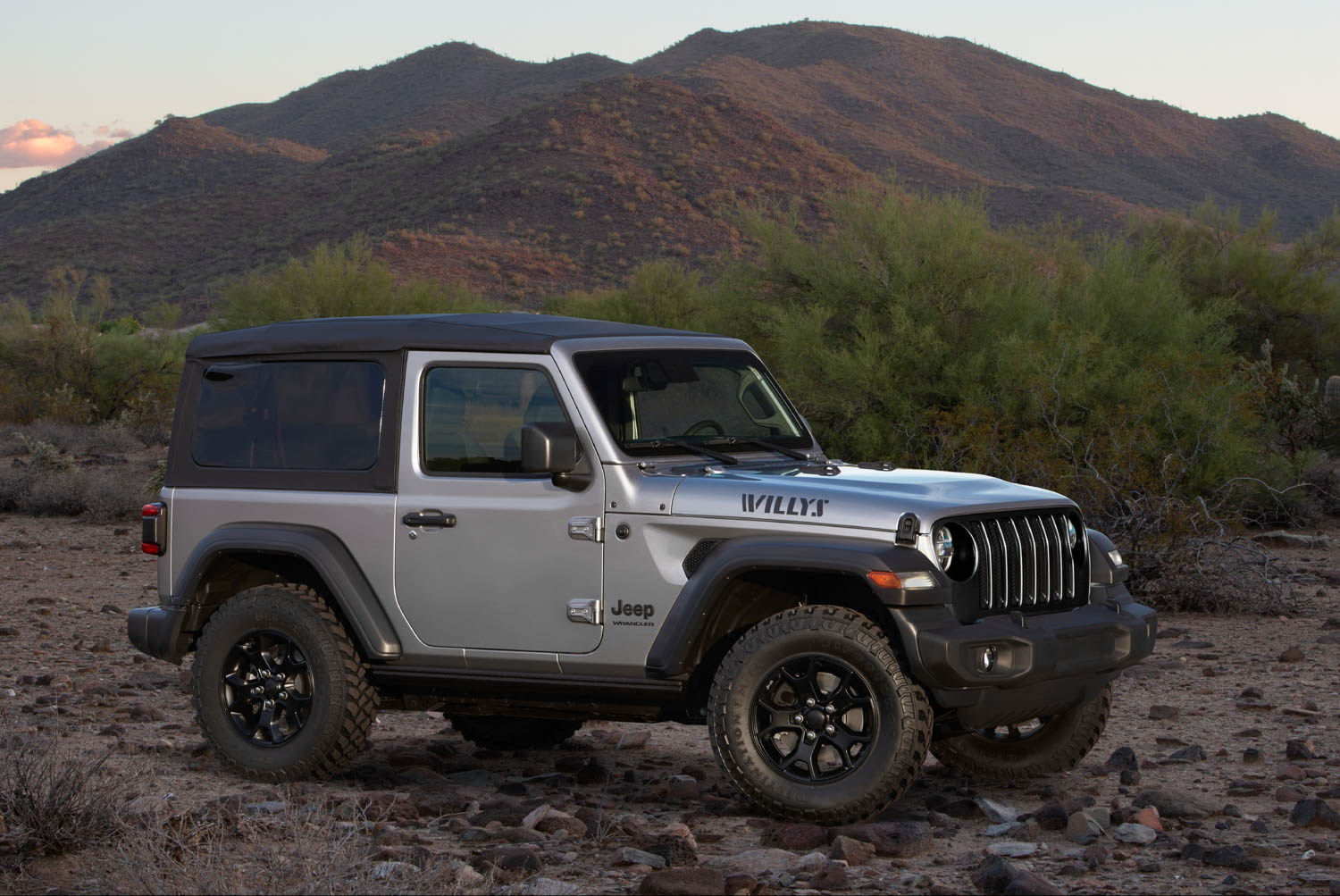 Will Jeep fans embrace the rumored plug-in hybrid Wrangler? thumbnail