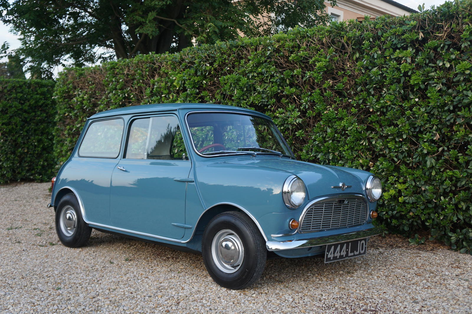 1959 Morris Mini Minor Deluxe Saloon