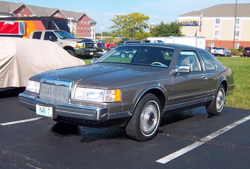 1986 Lincoln Mark VII Bill Blass