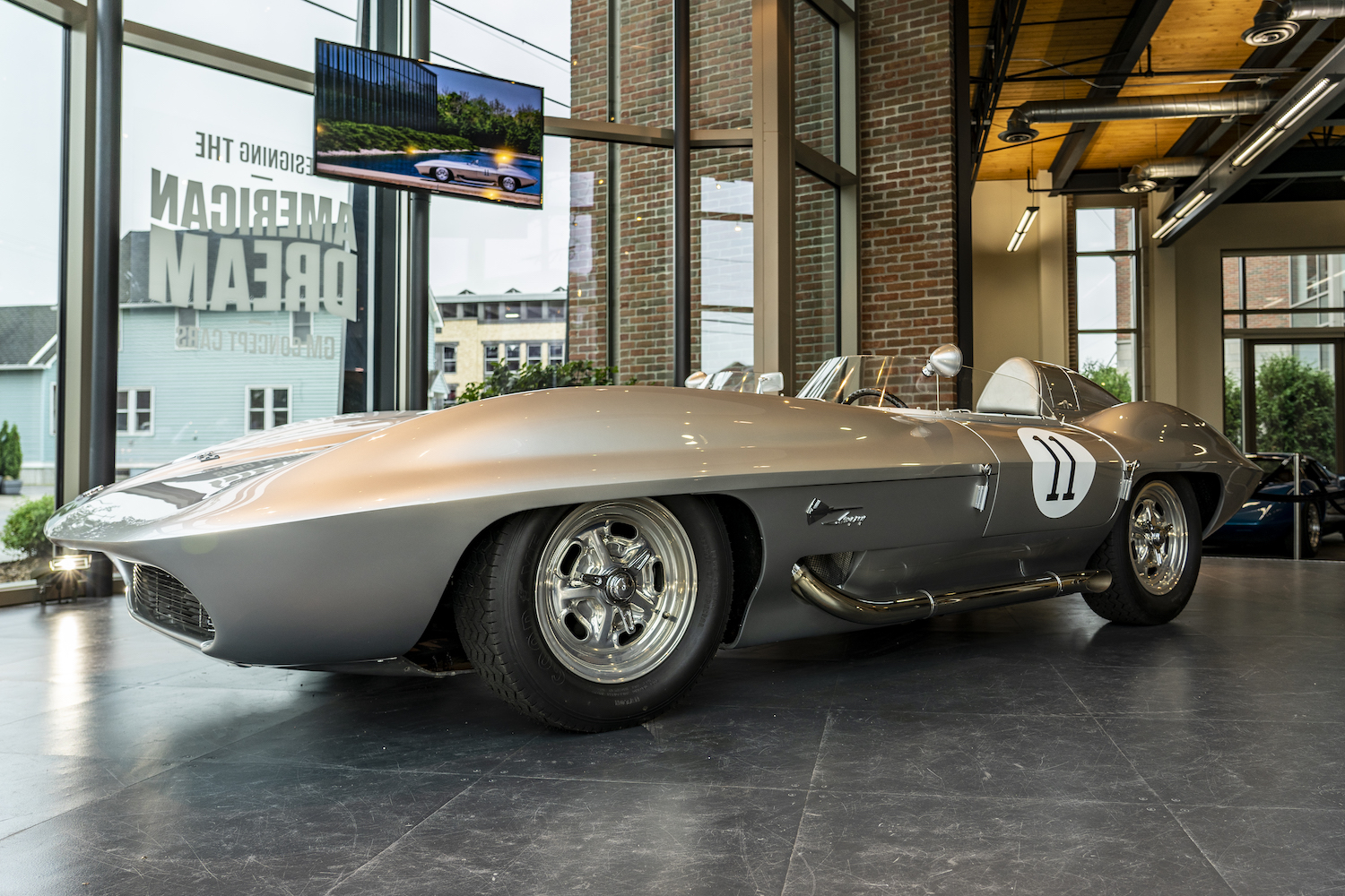Instead of collecting dust, GM's 1959 Corvette XP-87 design concept went racing thumbnail