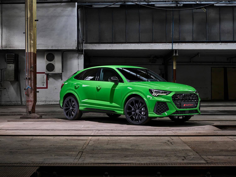 Green Audi RS Q3