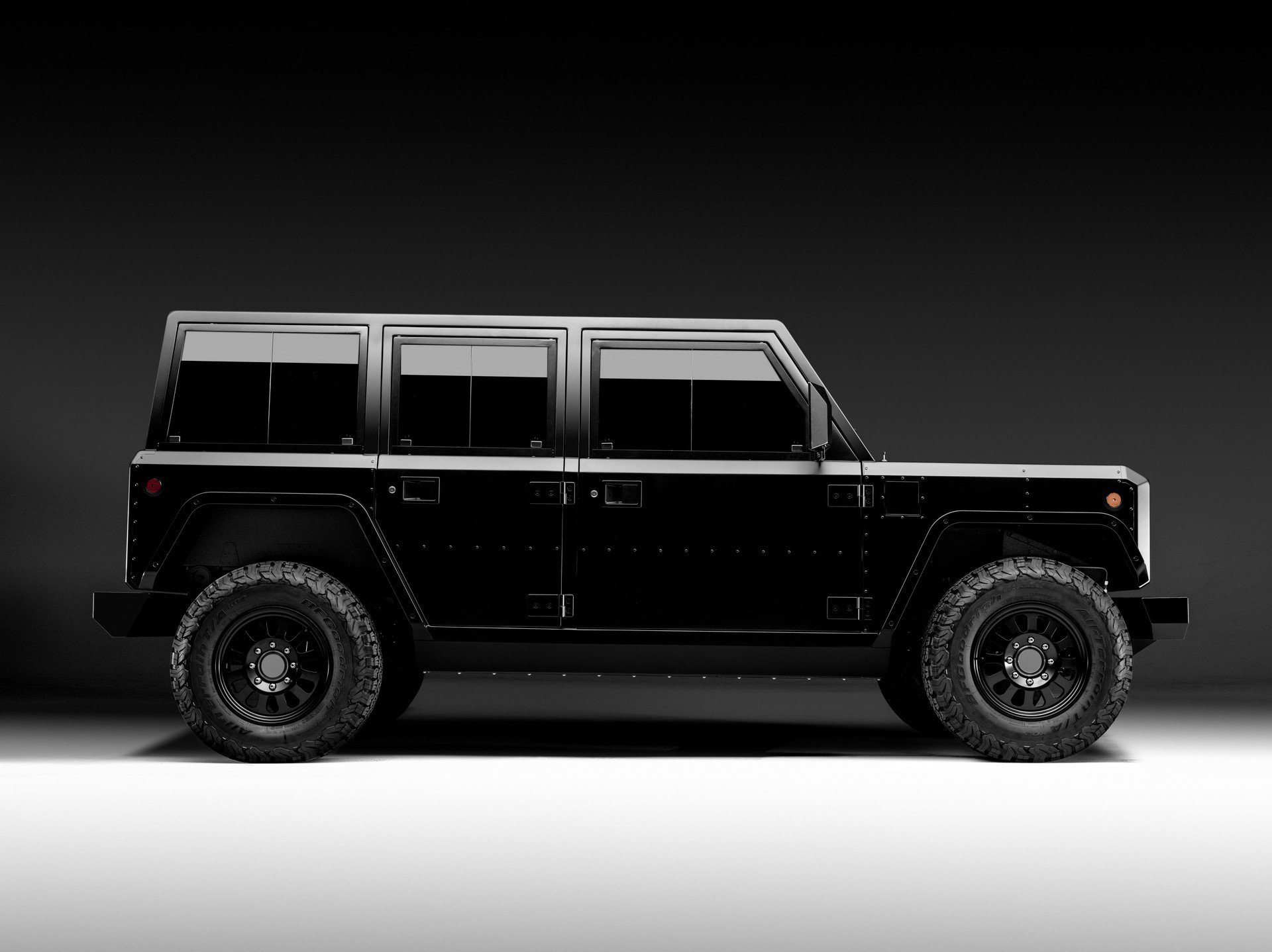 Bollinger B1 SUV and B2 pickup