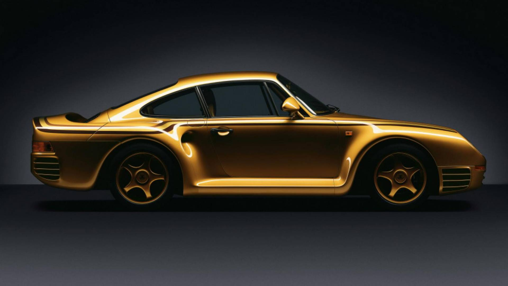 Is this gold Porsche 959 saved, ruined, cursed, or blessed? thumbnail