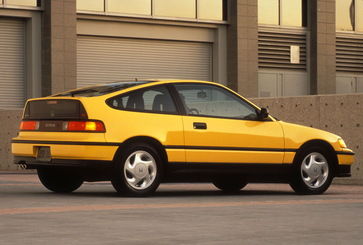 Finding a clean, low-mile Honda CRX Si costs more than you think thumbnail