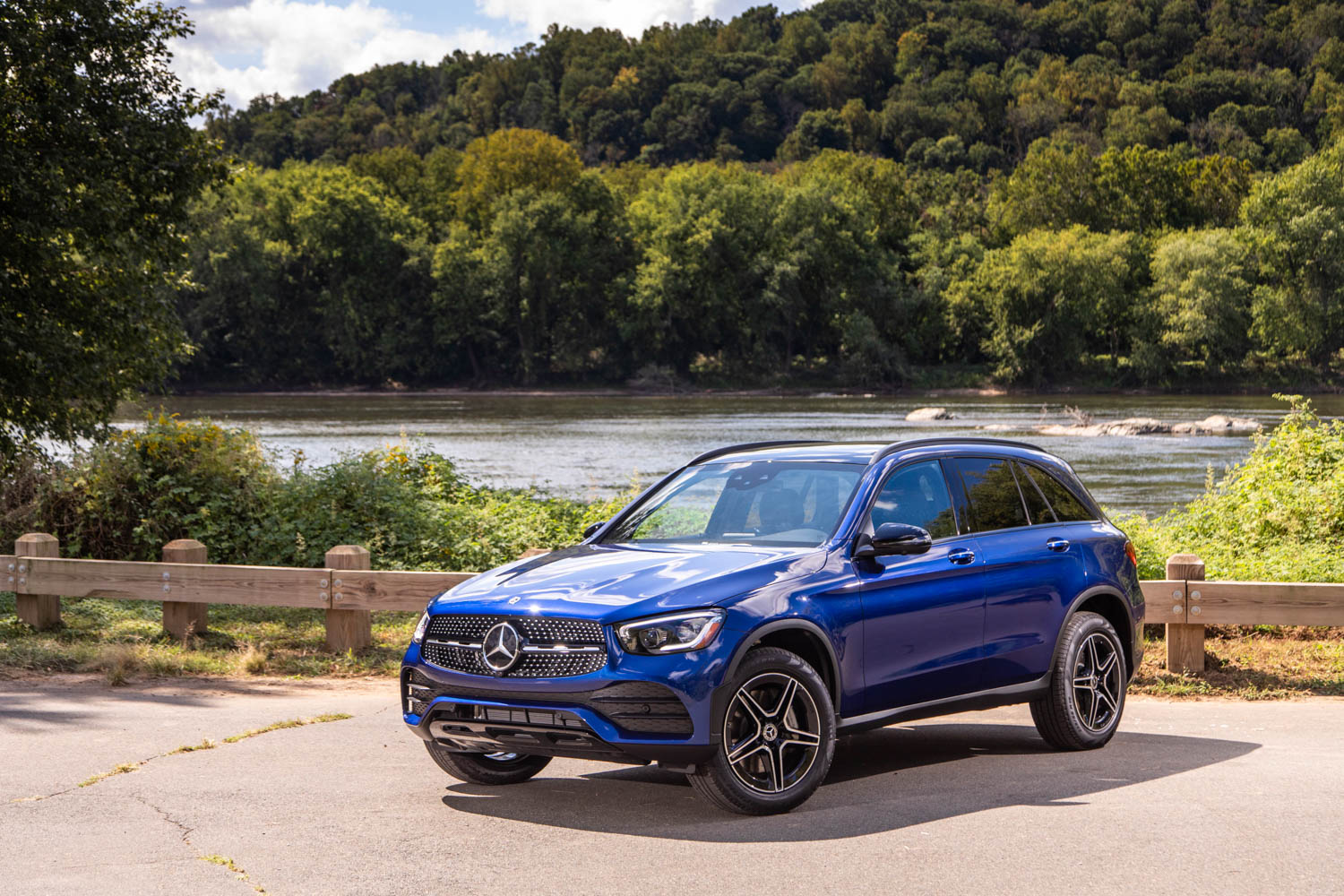 The refreshed 2020 Mercedes-Benz GLC is as posh and peppy as ever thumbnail