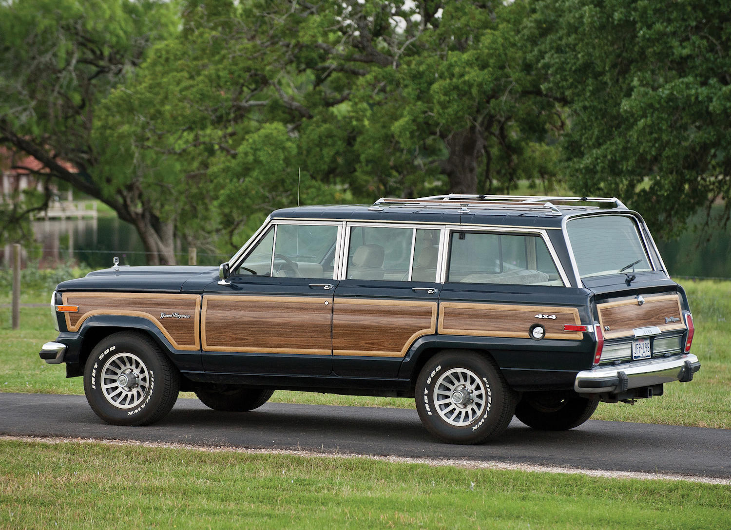 Your Definitive 1984 91 Jeep Grand Wagoneer Buyer S Guide Hagerty Media