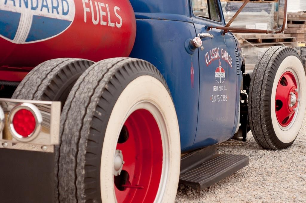 1951 Chevrolet Dually Tanker Hot Rod Truck