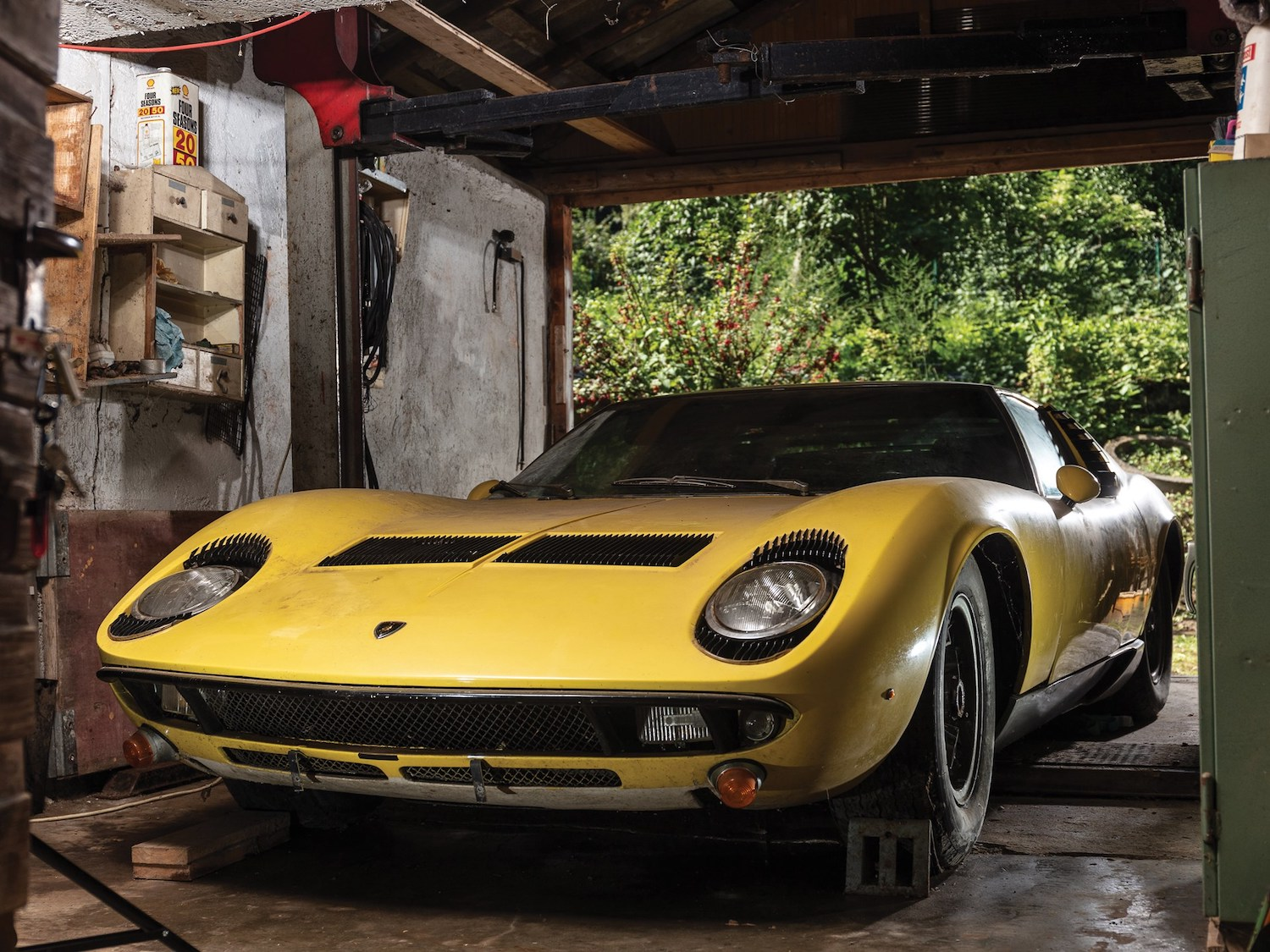 Grab your silk bathrobe, there's a Miura on the block