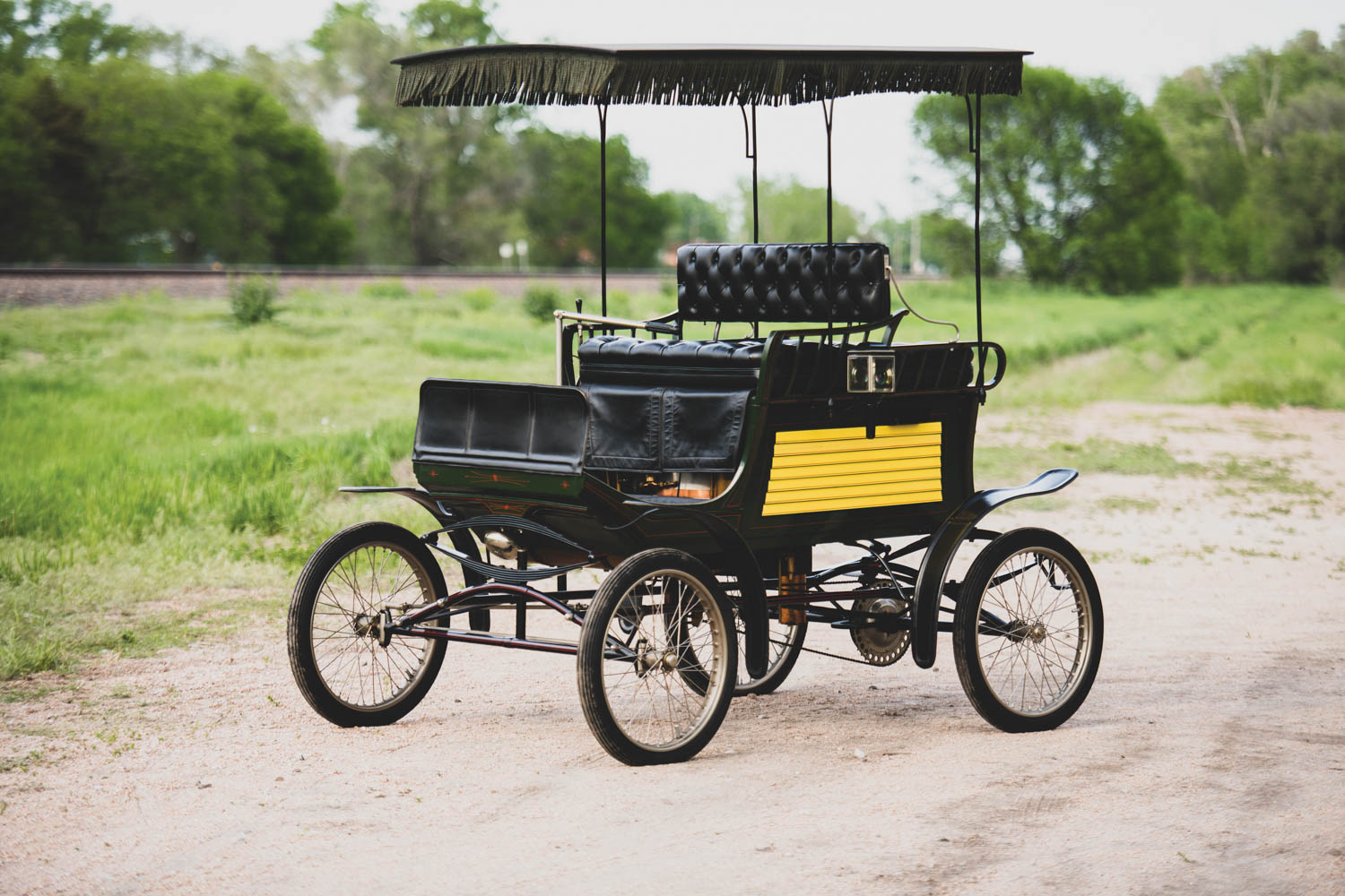 1901 Mobile Model 9 Dos-à-Dos Steam Runabout