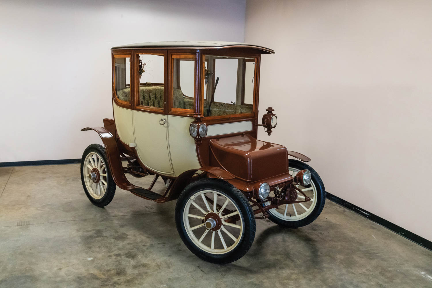 1909 Rauch & Lang Electric Coupe