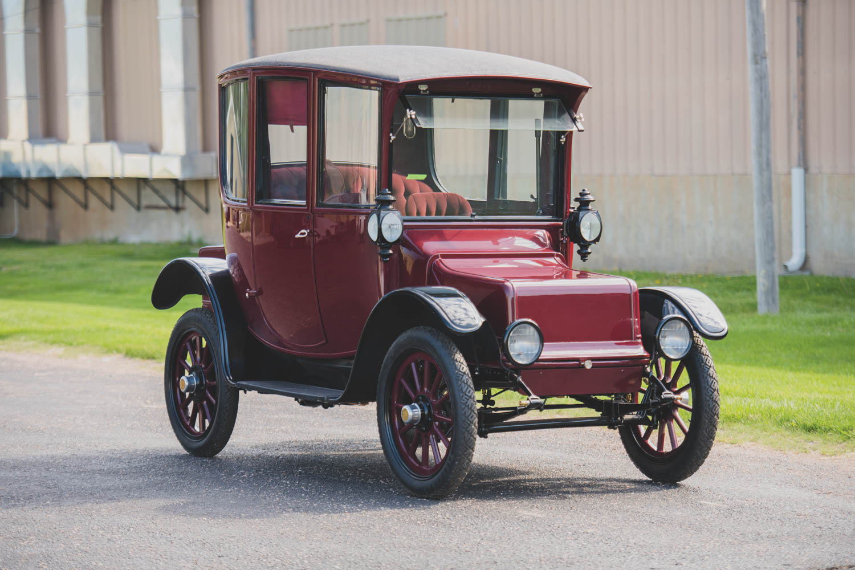 1916 Rauch & Lang JX-6 Dual Control Electric Coach