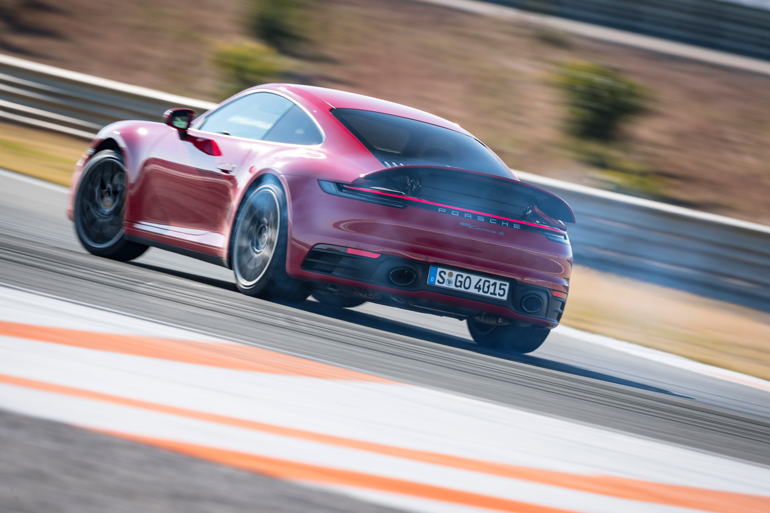 Porsche 911 Carrera S and 4S now available with a manual gearbox