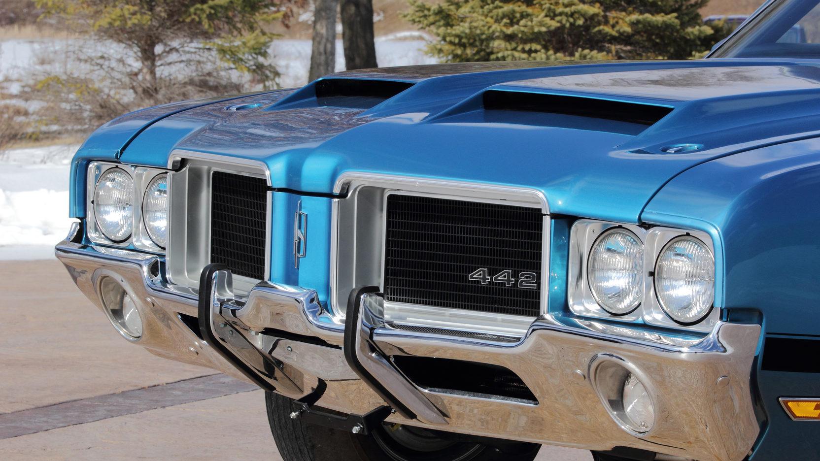 1971 Oldsmobile 442 nose