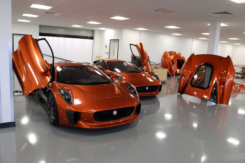 Jaguar CX75 stunt car bond spectre doors up