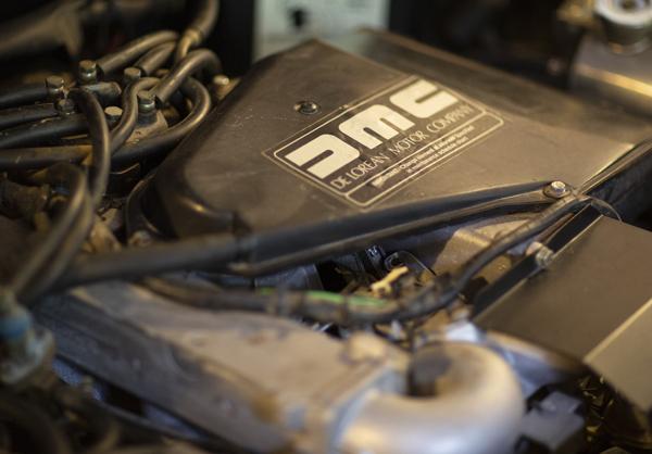 DeLorean DMC 12 Engine